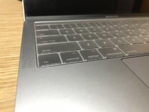【決定版】MacBook Pro用キーボードカバーはmoshiが間違いない