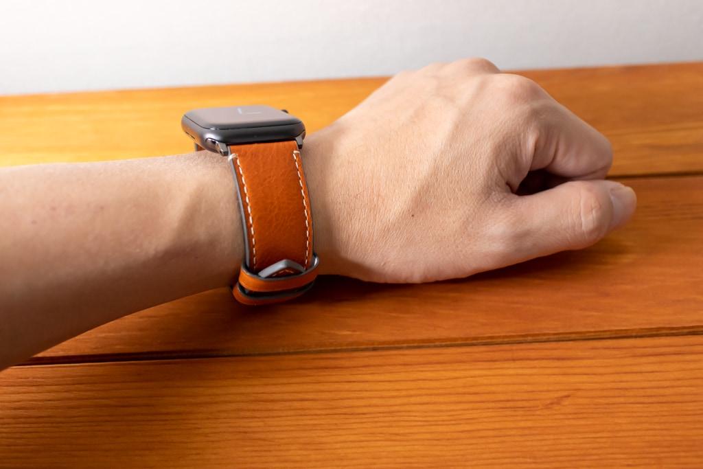Fullmosa Apple Watch レザーバンドは明るいブラウン