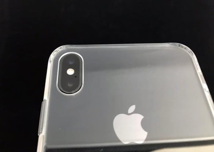 背面ガラスのiPhonexsmaxケースカメラ部分