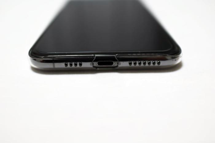 iPhonexsmax用Air Jacketスピーカー部分