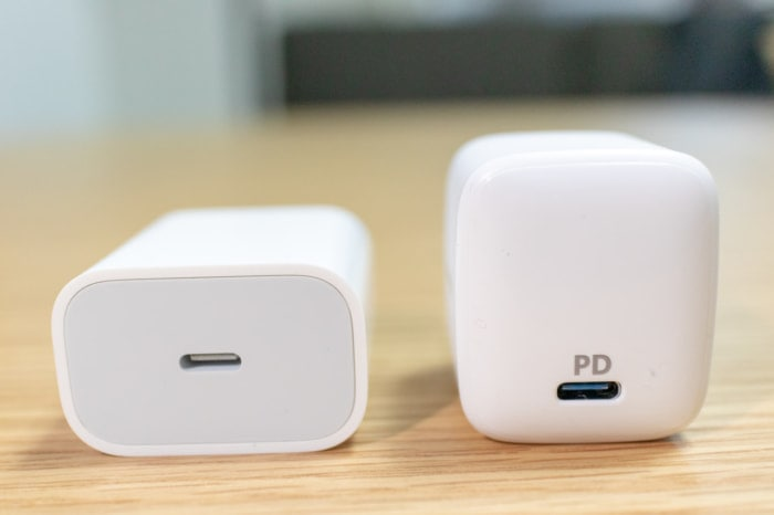 iPad Pro 2018 11インチ付属充電器とAnker PowerPort Atom PD 1を比較