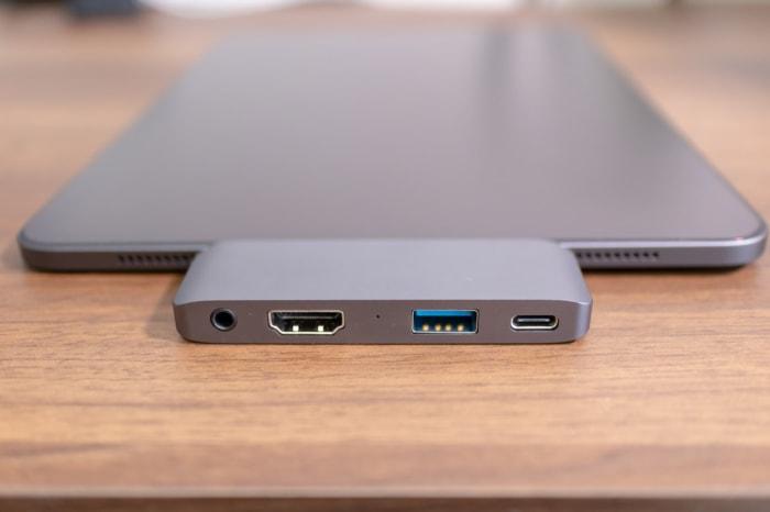 iPad Proに特化した「Satechi アルミニウム Type-C モバイル Proハブ」のポートは4種類