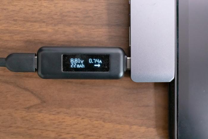 iPad Proに特化した「Satechi アルミニウム Type-C モバイル Proハブ」のUSB-C充電出力