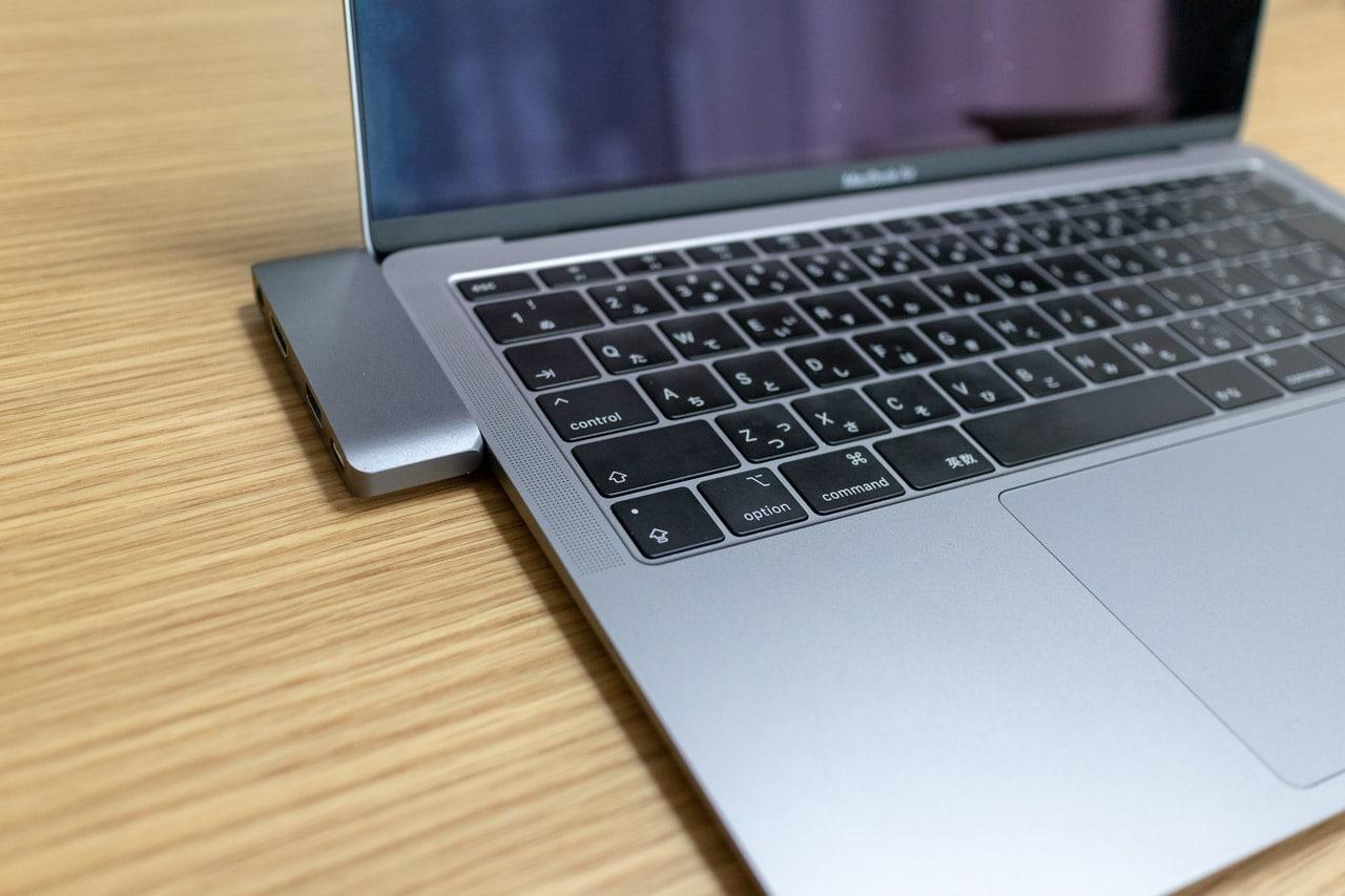 Satechi アルミニウム Type-C モバイル ProハブをMacBook Air 2018に接続