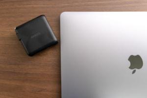 【レビュー】Anker PowerPort Speed 1 PD 60は小さくても60W出力!MacBook Proも充電可能なUSB-C充電器