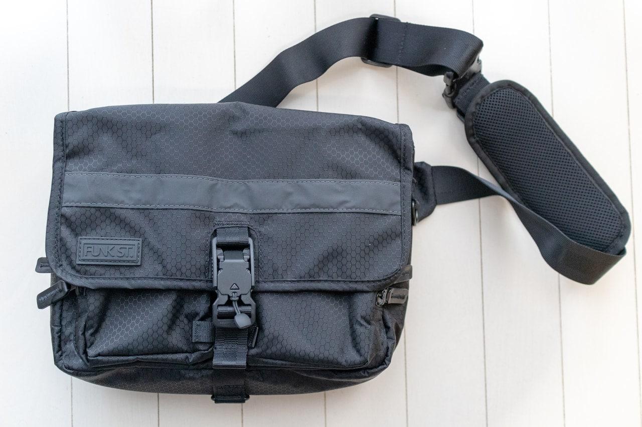 iPadのためのバッグ「Funk St. コミューターパック」