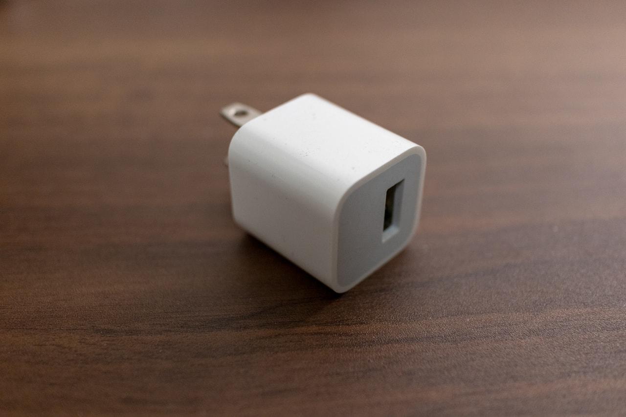 iPhoneの付属充電器