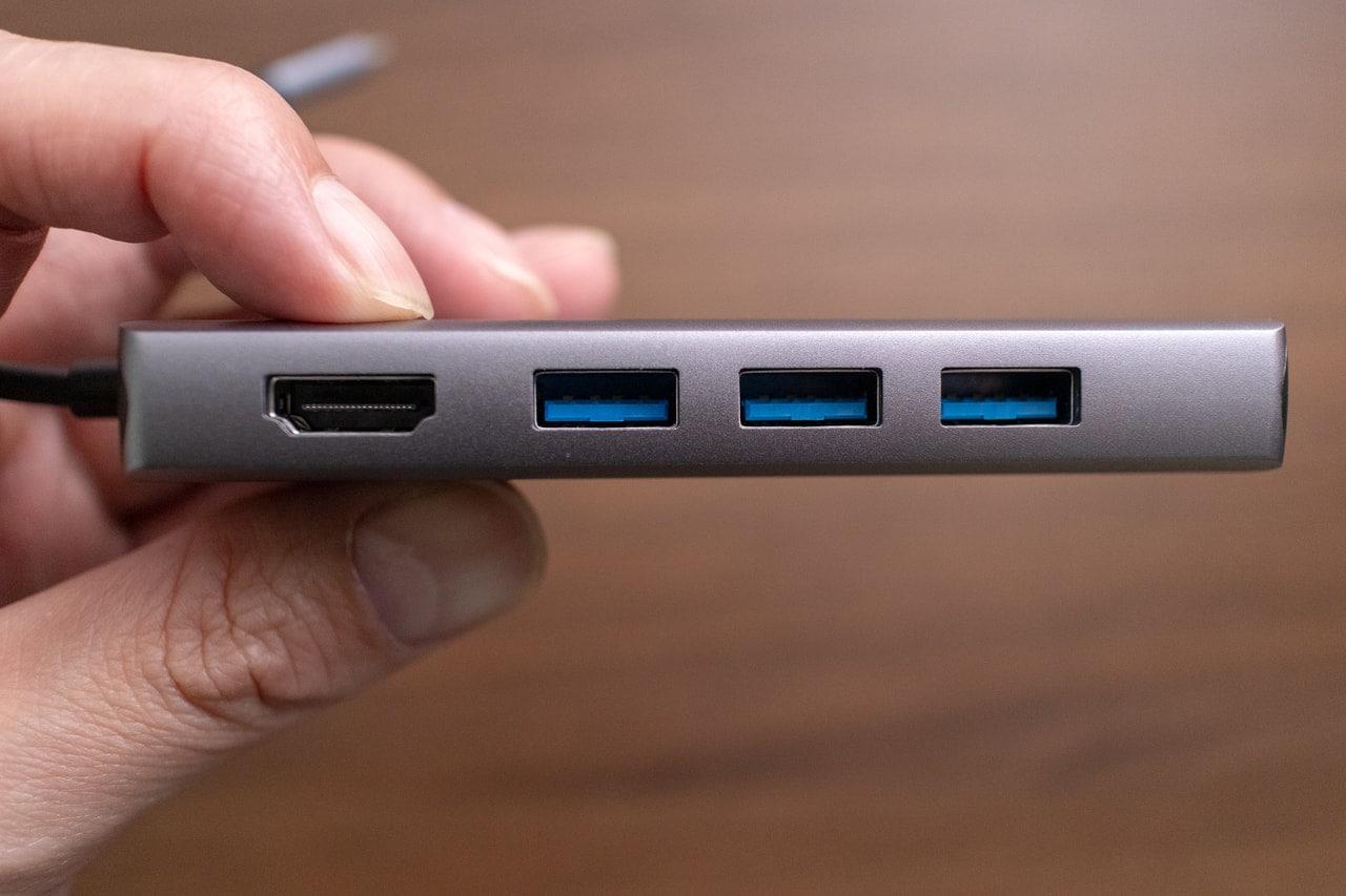 Satechi V2 マルチ USB-C ハブはUSB-Aが3つも接続できる