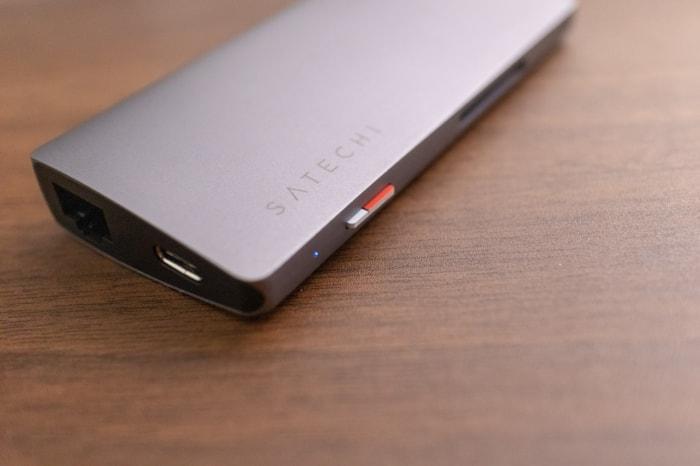 microSDカードの接続がわかりやすい