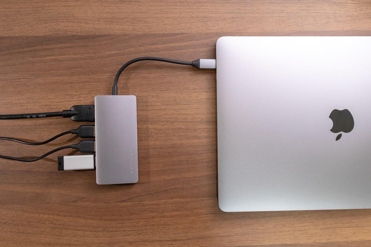 Satechi V2 マルチ USB-C ハブは何でも接続できる