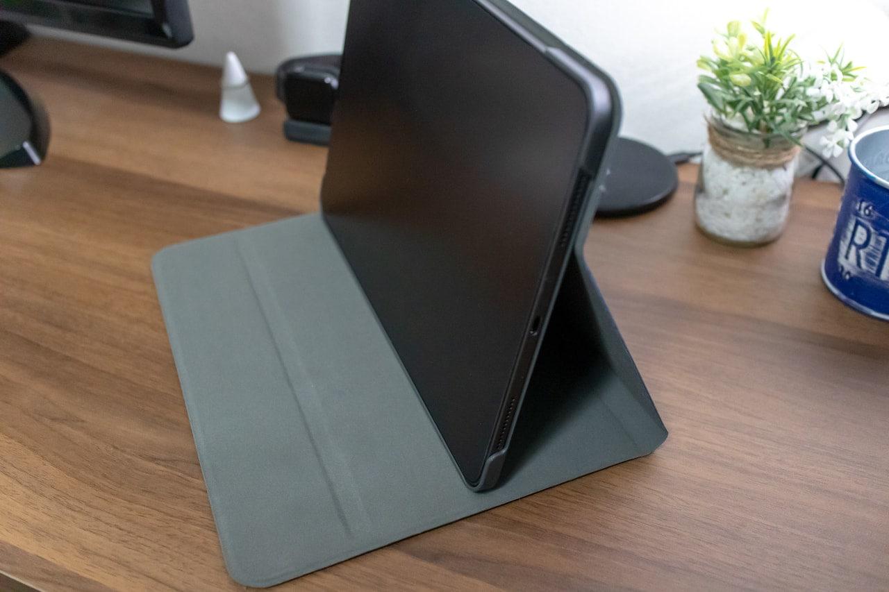 HBorna iPad Proケースを一番角度つけた状態