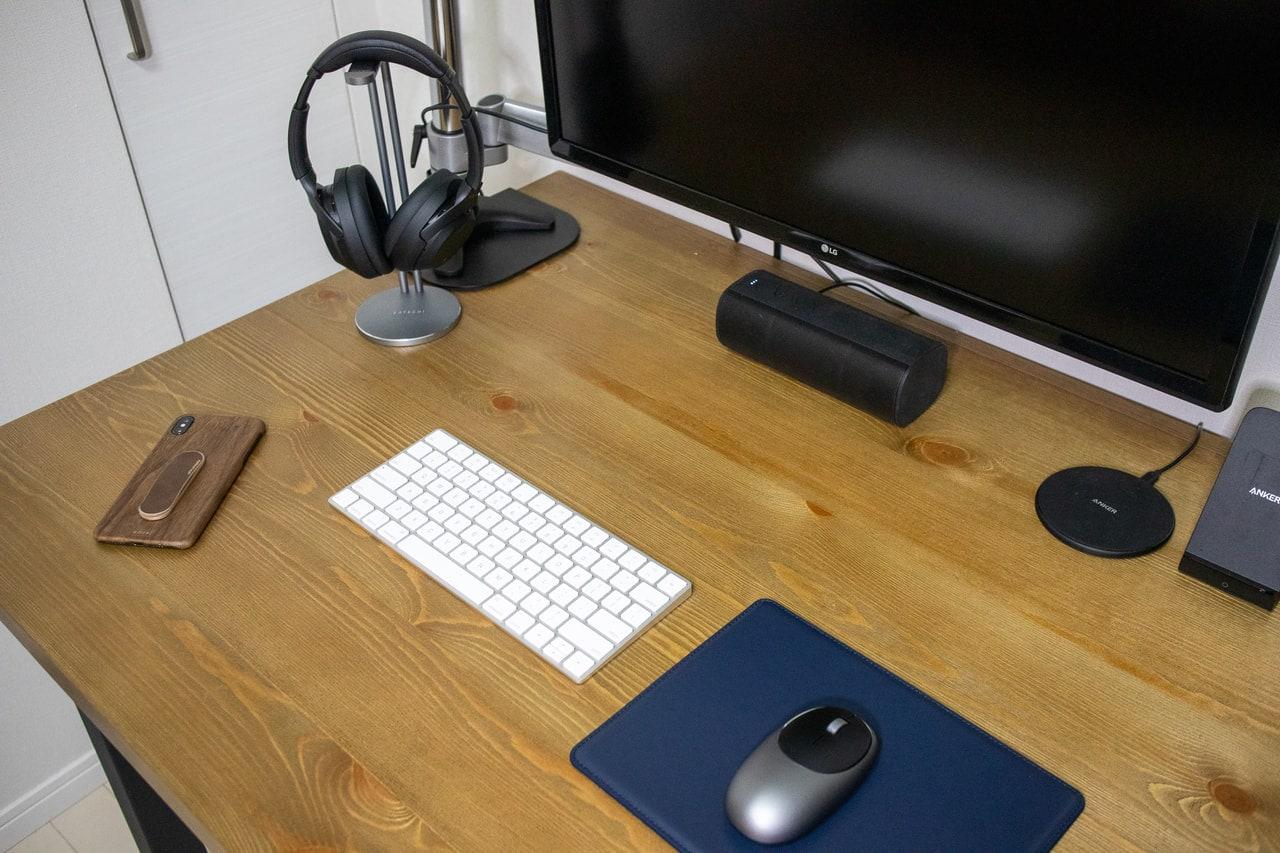 Satechi M1 ワイヤレスマウスはデスクに置くと絵になる