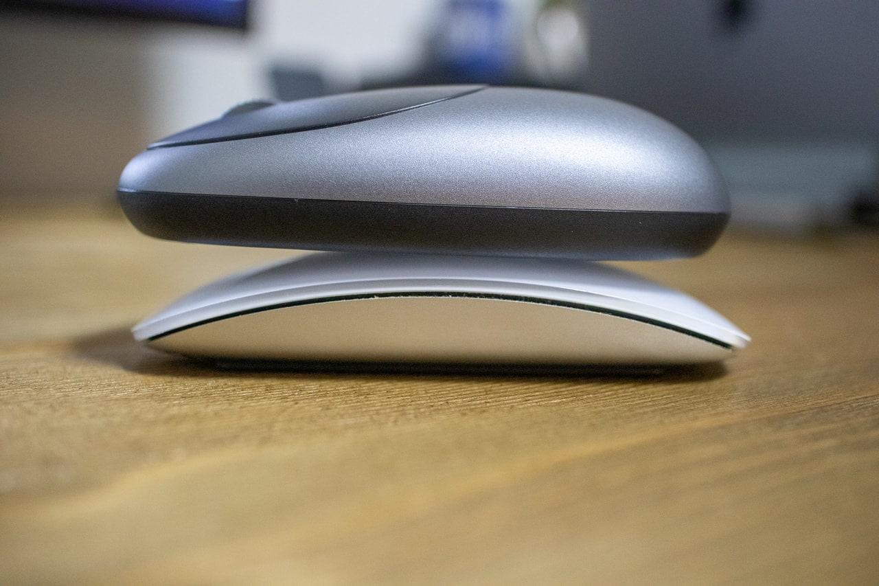 Apple Magic Mouse2に重ねる