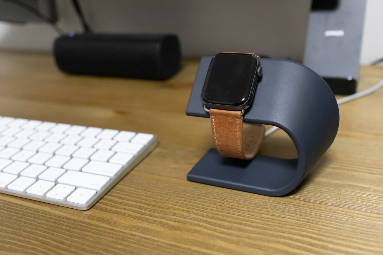 Apple Watch用充電スタンド