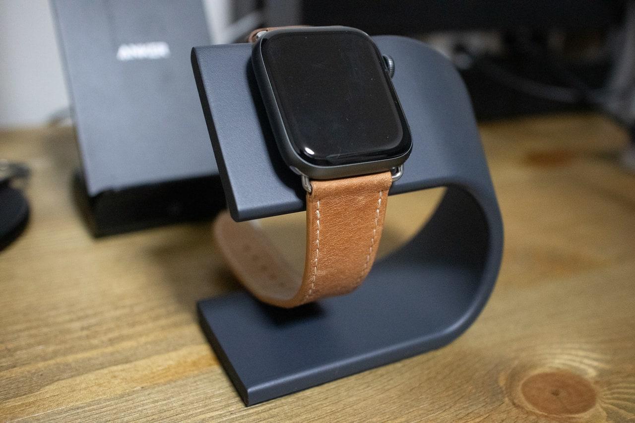 Apple Watchはスタンドを使って充電しよう