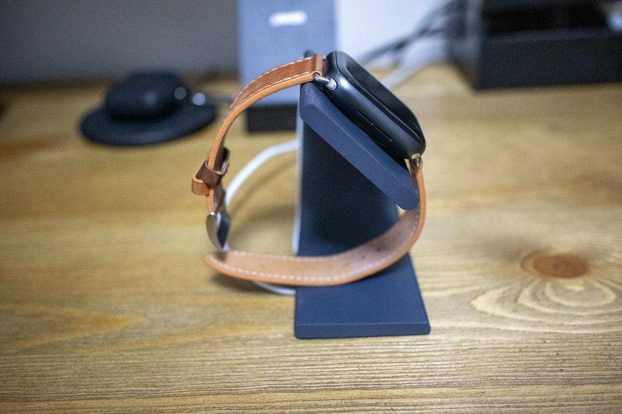 WUUDI Apple Watch 充電スタンドを横から