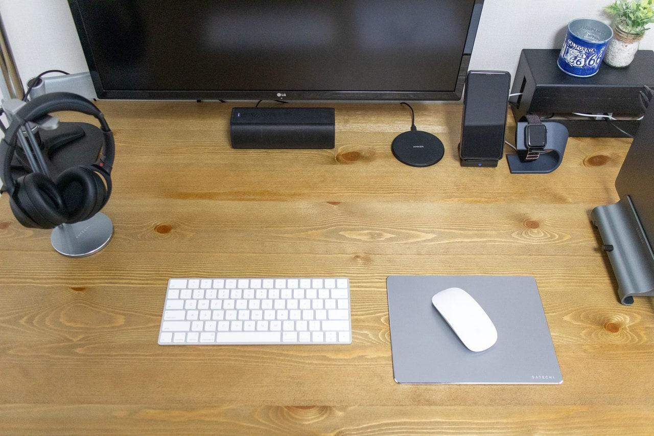 アルミ製マウスパッドをデスクに設置
