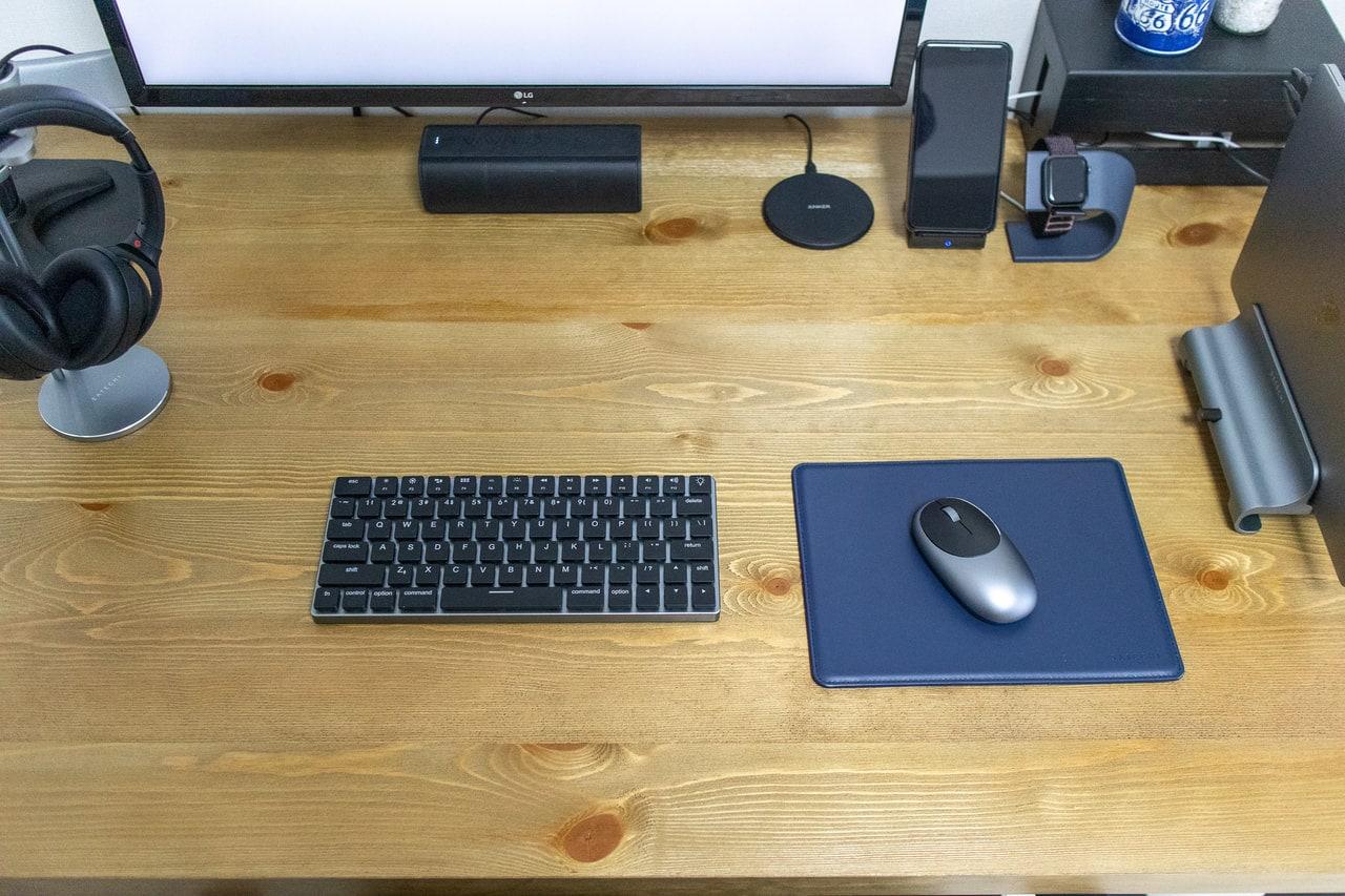 ECOレザー製マウスパッドをデスクに設置