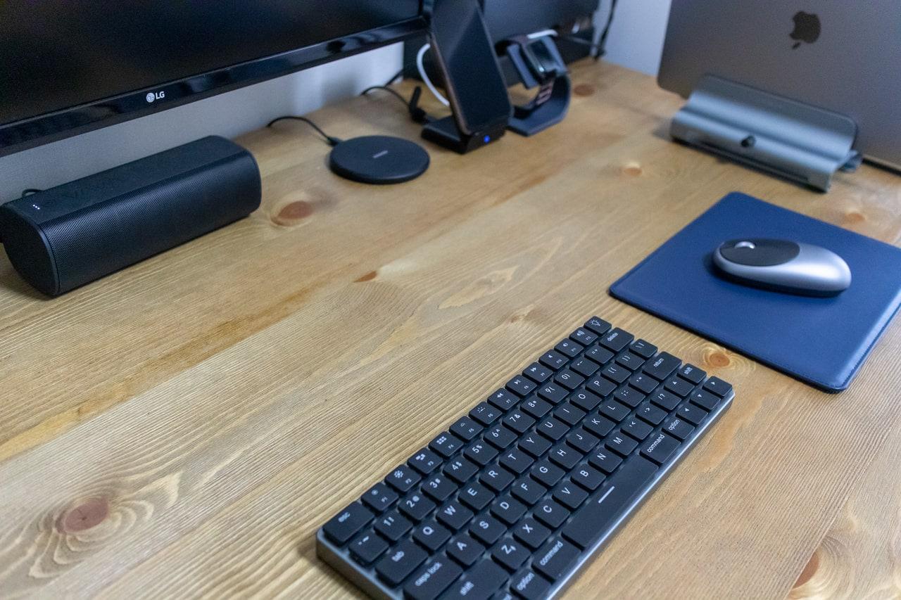 ECOレザー製マウスパッドをデスクに設置すると高級感が