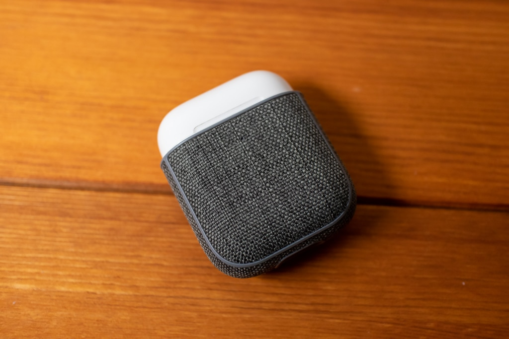 Incase AirPods Case with WoolenexはAirPodsにジャストサイズ