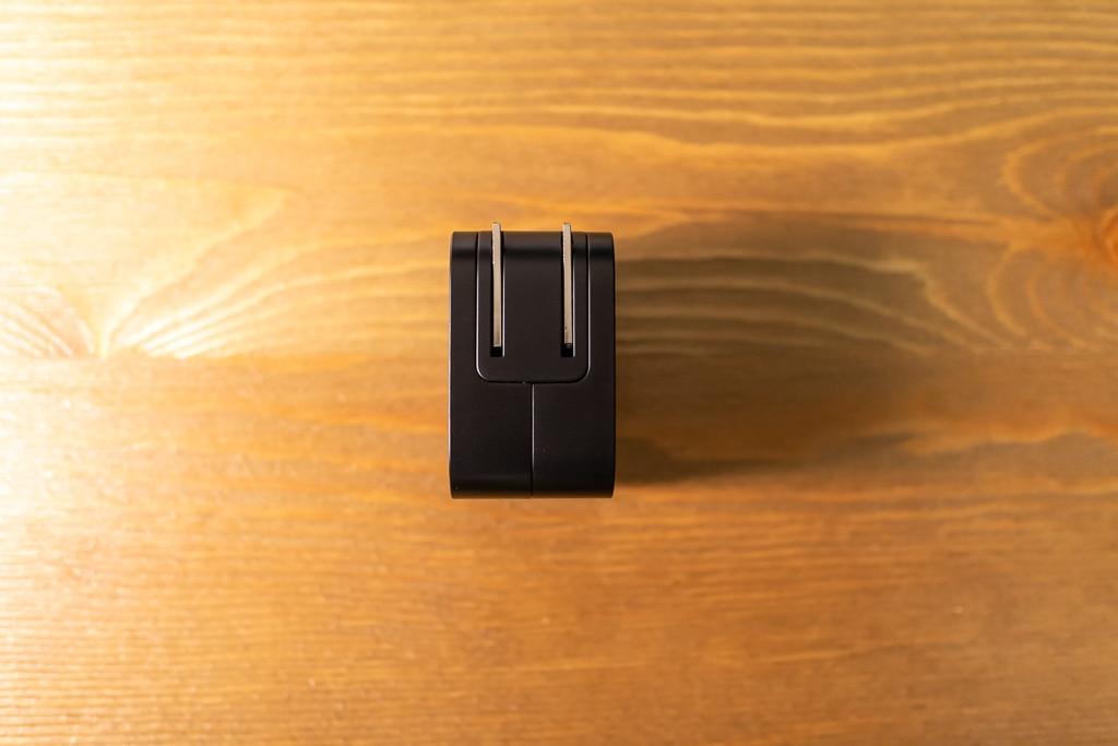 RAVPower RP-PC112はプラグが折り畳める