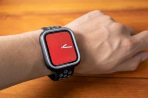 【レビュー】Apple Watchを傷や衝撃から守るカスタマイズ可能でおしゃれなケース「CrashGuard NX バンパ...