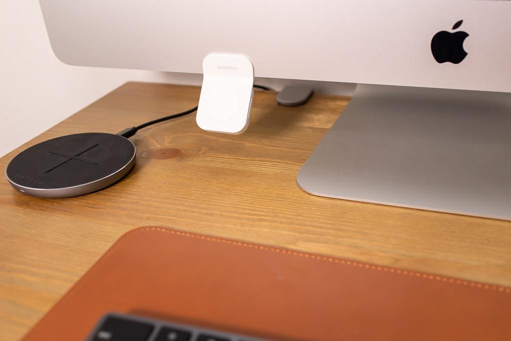 Sinjimoru Apple Watch モニタースタンドをiMacに貼り付け