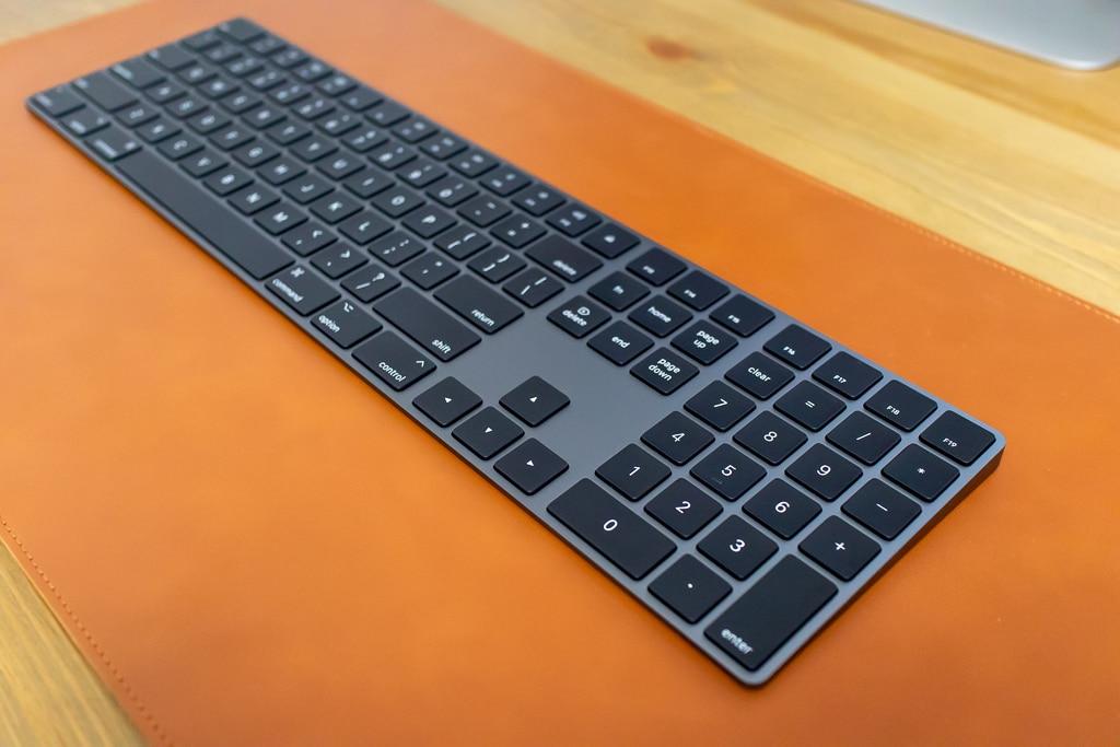 Magic Keyboard (テンキー付き)スペースグレイの一番の魅力はスペースグレイ