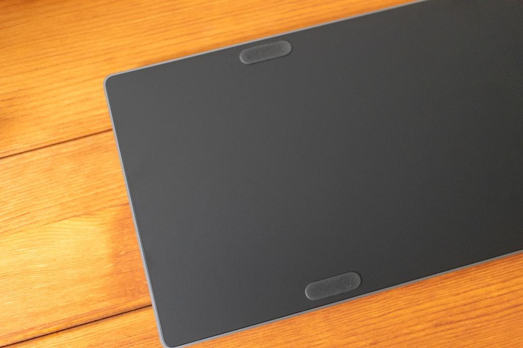 Magic Keyboard (テンキー付き)スペースグレイの裏側