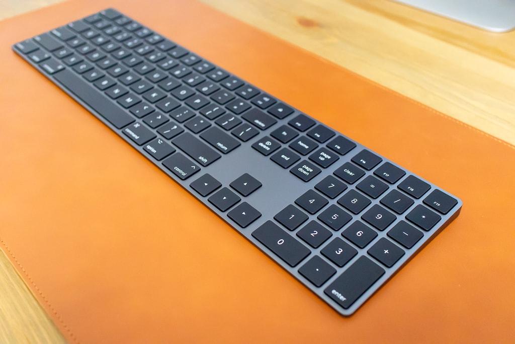 Magic Keyboard (テンキー付き)スペースグレイ