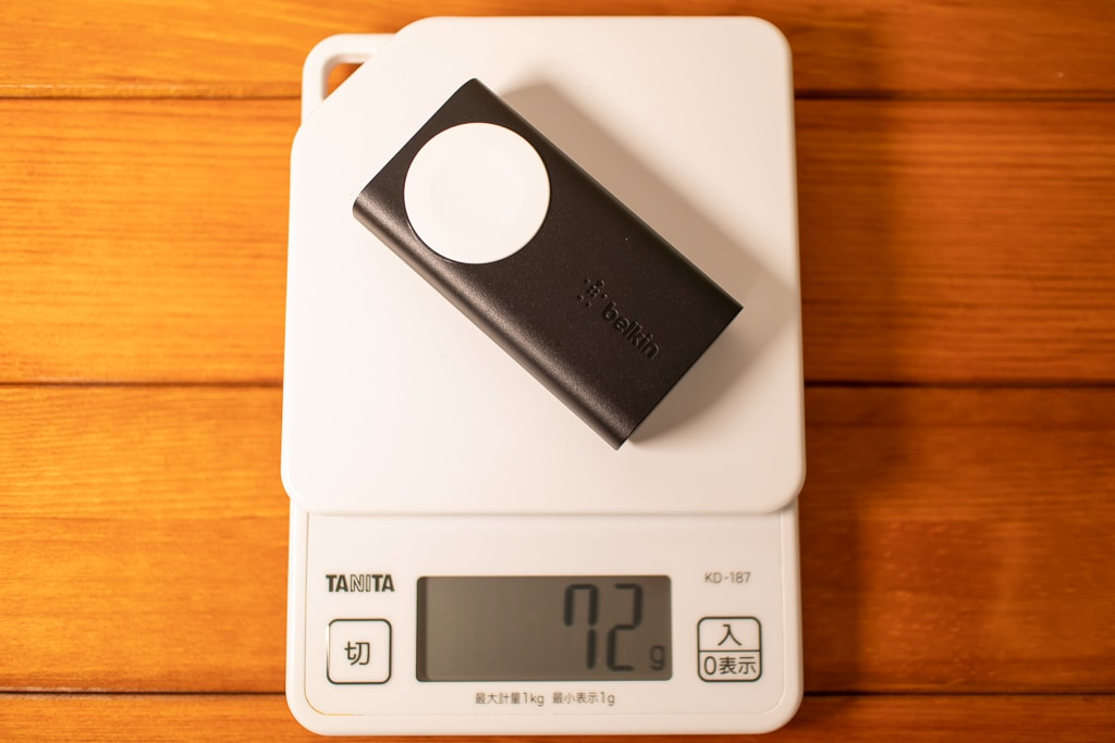Belkin Apple Watch用モバイルバッテリーは約72g