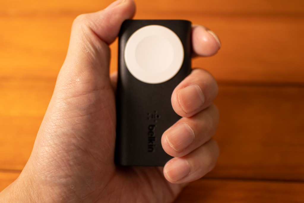 Belkin Apple Watch用モバイルバッテリーはちょうどいい