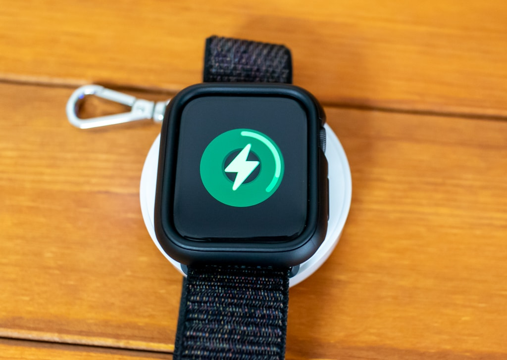 Apple Watchをサッと充電できる