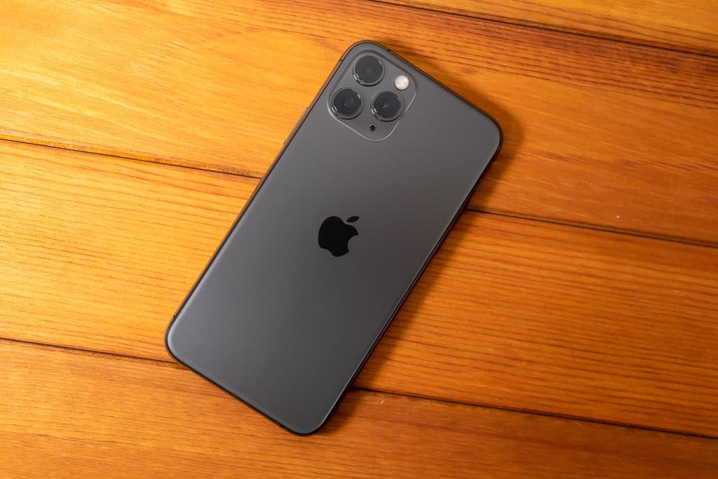 iPhone 11 Proは高級感がある