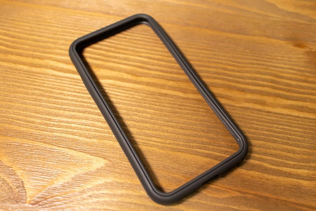 RhinoShield Crashguard NXは四つ角を含めたiPhone側面を完全にガード