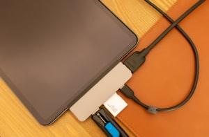 【レビュー】SDカード接続も可能なiPad Pro用ハブ「HyperDrive iPad Pro USB-Cハブ」