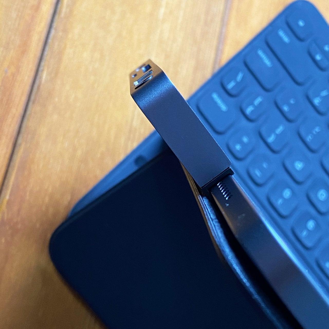 Smart Keyboard Folioとの干渉