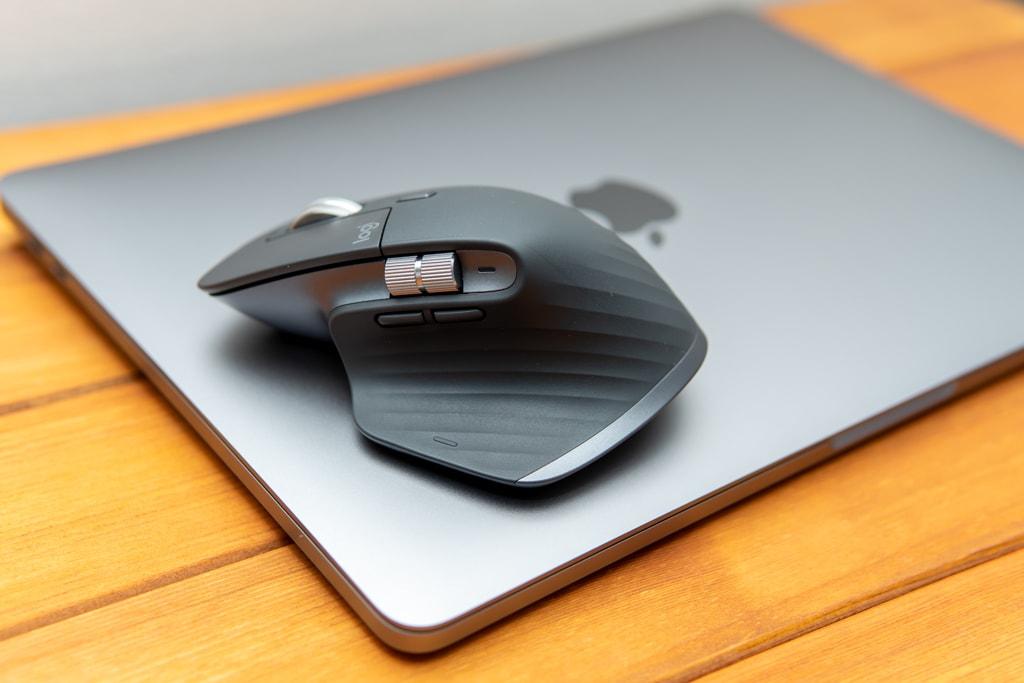 MacBook ProとMX MASTER 3