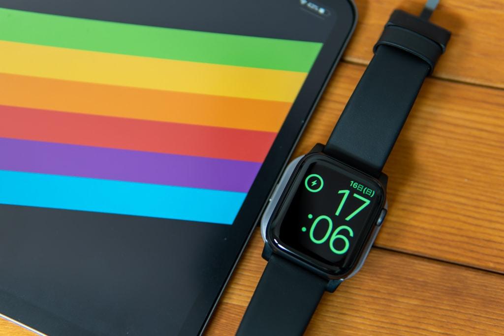 「Satechi USB-C Apple Watch充電ドック」はカッコいい。
