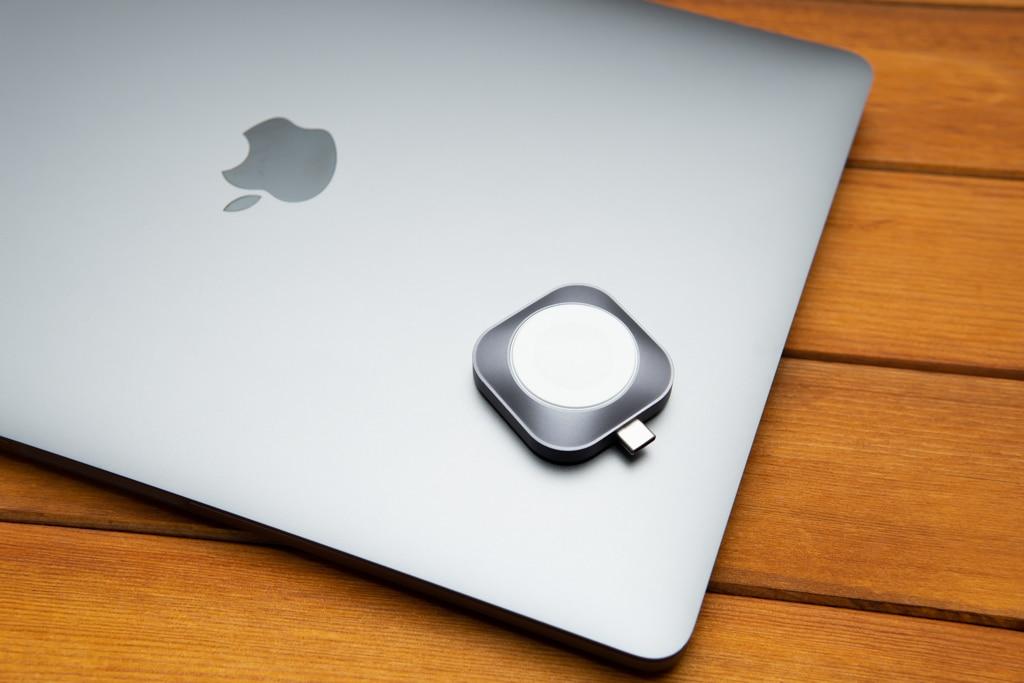 Satechi USB-C Apple Watch充電ドックはスペースグレイがカッコいい