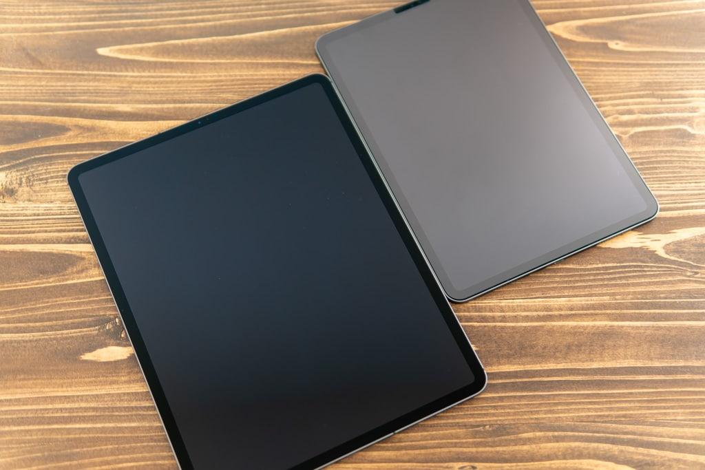 iPad Pro 2020の前面とiPad Pro 2018の前面