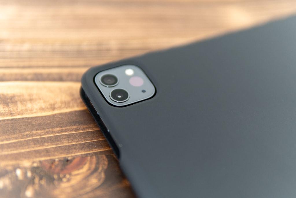 ESR iPad Pro 2020用ケースのカメラ部分