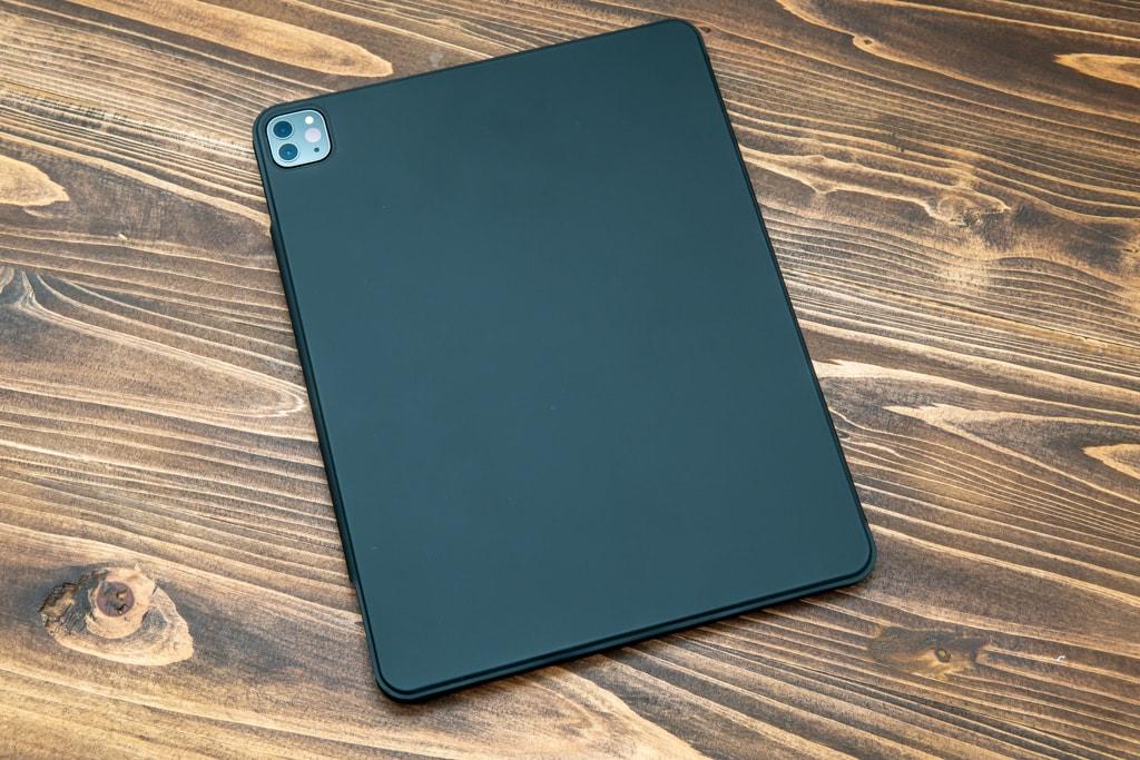 ESR iPad Pro 2020用ケースの背面