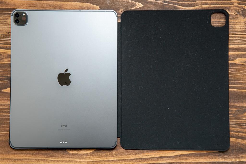ESR iPad Pro 2020用ケースはマグネット貼り付けタイプ