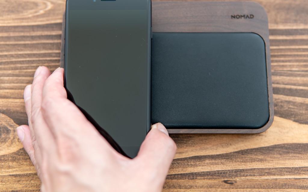 新型iPhone SE(第2世代)はワイヤレス充電に対応