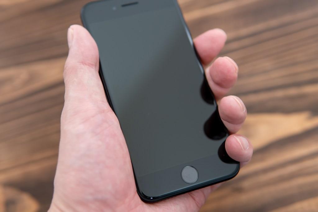新型iPhone SE(第2世代)のサイズ感はやっぱりいい