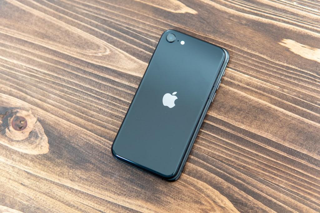 新型iPhone SE(第2世代)とiPhone 11 Proのサイズ比較