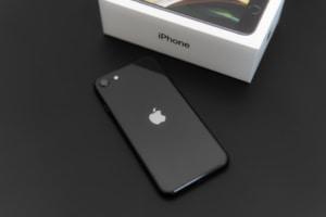 iPhone SE(第2世代)レビュー:モンスター級のコスパ!性能はどう?iPhone 11 / Proと比較