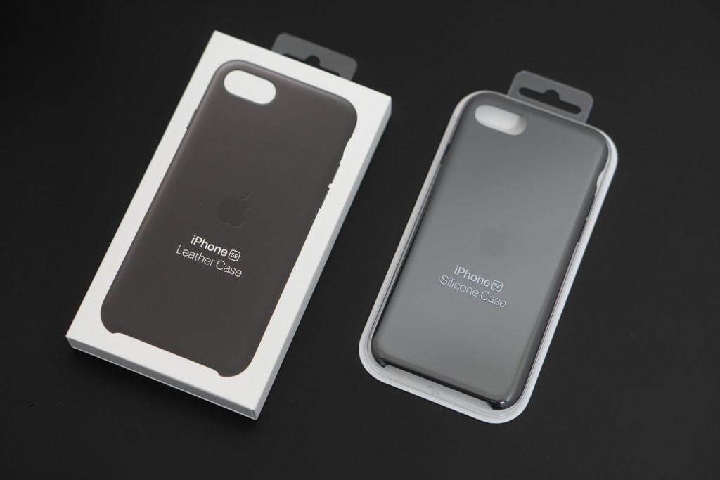 Apple純正iPhone SE 第2世代用レザーケースとシリコンケースの外箱