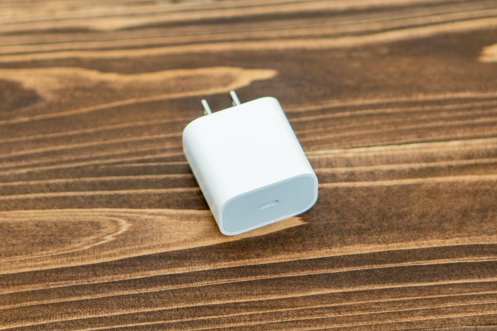 iPad Proの付属充電器
